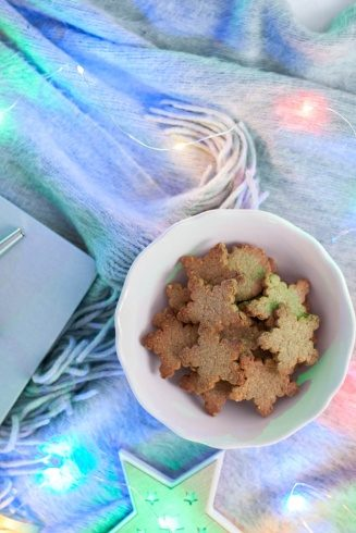 Kruche ciasteczka z mąką arachidową bez cukru