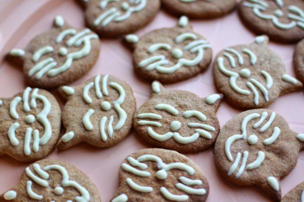 Uśmiechnięte kotki - ciasteczka pełnoziarniste bezmasła icukru
