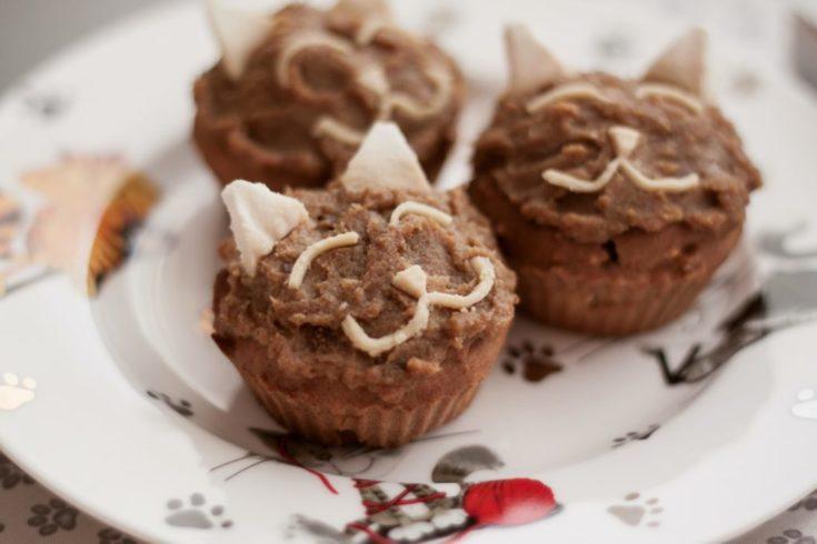 kocie muffinki z kremem daktylowym bez cukru