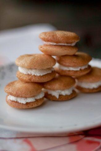 Lekkie biszkopciki z nadzieniem kokosowym Newella bez cukru