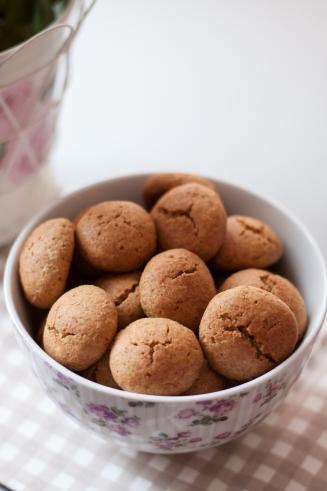 Proste pełnoziarniste cytrynowe ciasteczka na oliwie