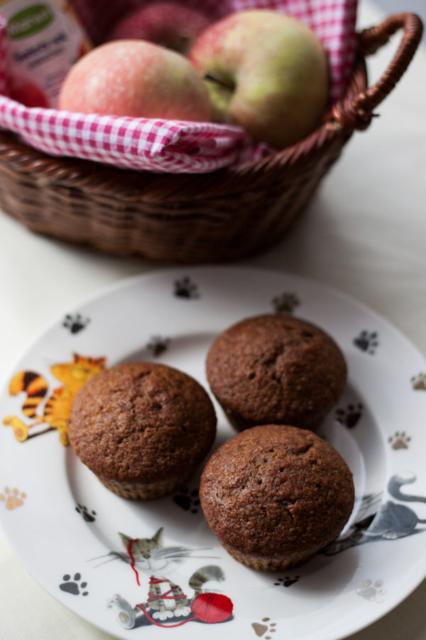 Wegańskie muffinki cytrynowe z sokiem jabłkowym