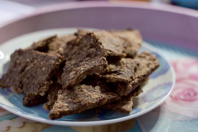 Bezglutenowe łamane ciasteczka z orzechami bez cukru
