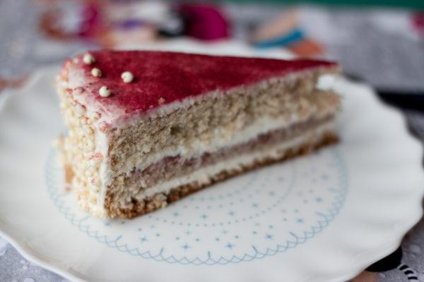 Zdrowy tort urodzinowy bez cukru i masła
