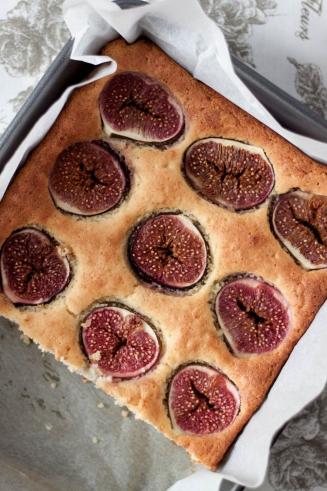 Bezglutenowe ciasto ze świeżymi figami