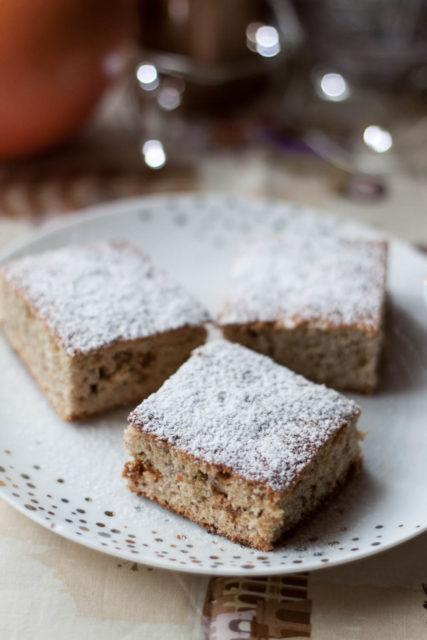 Bezglutenowe ciasto cytrusowe zsuszoną morwą białą (bezcukru)