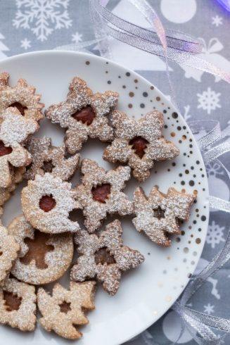 Świąteczne orkiszowe ciasteczka z konfiturą bez cukru