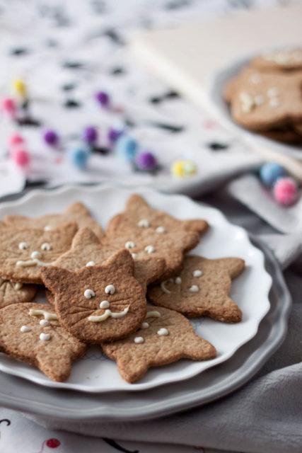 kruche ciasteczka pełnoziarniste na Światowy Dzień Kota (bez cukru)