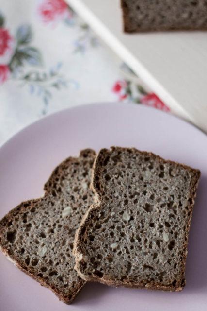 Mieszany chleb razowy nazakwasie
