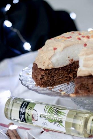 korzenne ciasto z batatem i delikatną chmurką bez cukru