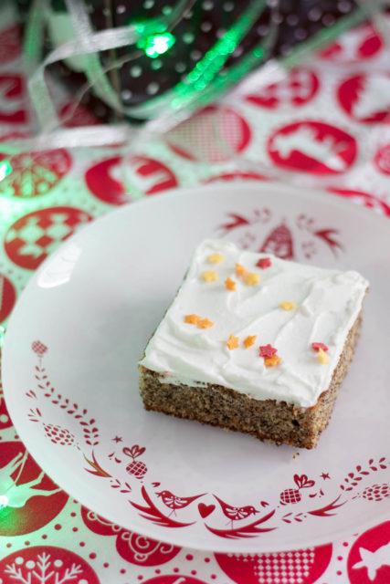 Puszyste ciasto bezglutenowe zmielonym makiem