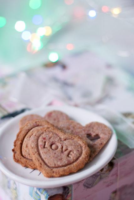 Walentynkowe ciasteczka malinowe (bezcukru)