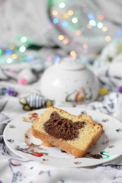 Biszkoptowe ciasto z mąką kokosową na Dzień Kota 2018