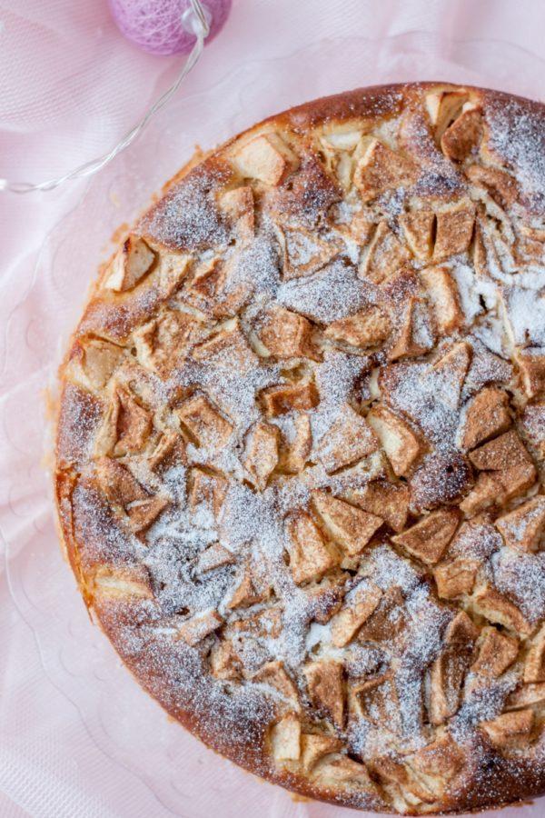Włoskie ciasto zmascarpone ijabłkami