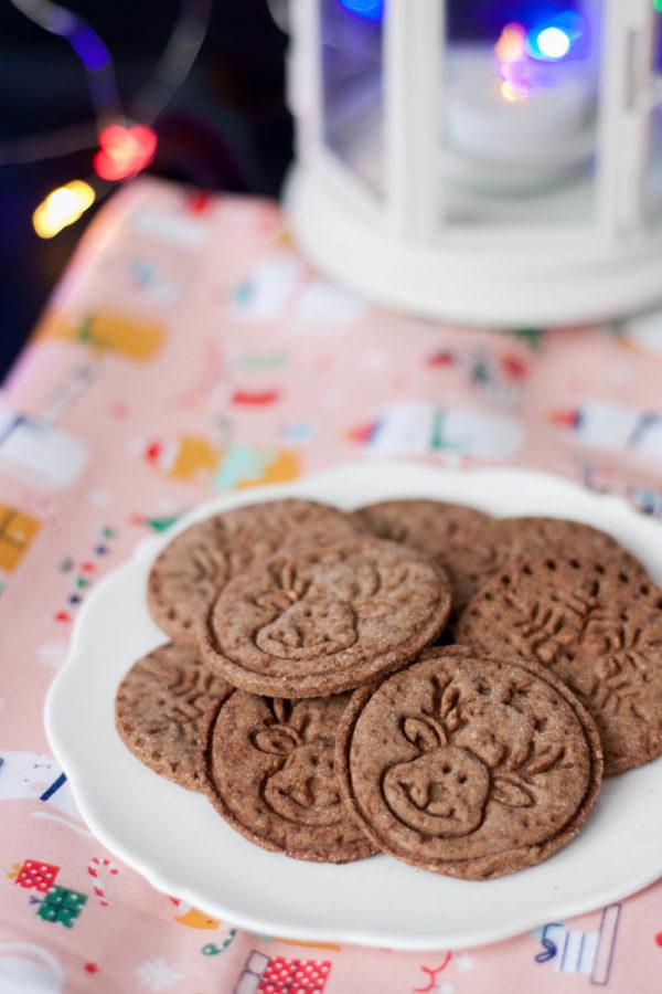 Ciasteczka budyniowe z karobem i orzechami laskowymi Zdrowe przepisy na święta