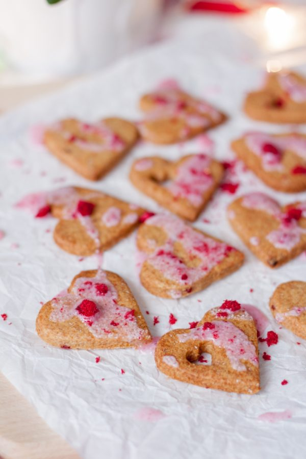 Walentynkowe ciasteczka wiśniowe izdrowy lukier bezcukru